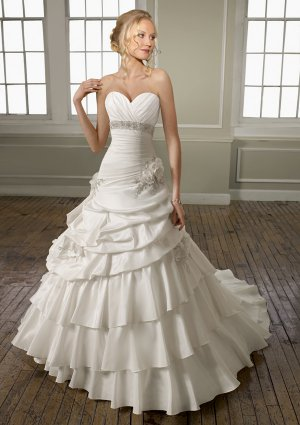 A-line Sweetheart Beading 2012 Wedding Dress