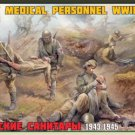 Zvezda 1/35 Soviet Medical Personnel WWII 3618