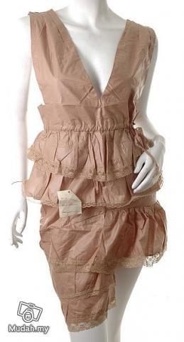 models off duty style fashion clothing minimalism avant garde dress Lady Gaga