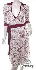 VINTAGE 1970S INSPIRED DVF-LIKE WRAP DRESS models off duty style fashion clothing DISCO