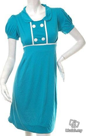 VINTAGE 1940S OR 1950S INSPIRED models off duty style fashion clothing DRESS