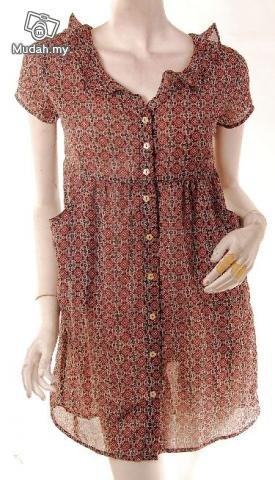 models off duty style fashion clothing Esprit Vintage 90s babydoll mini dress