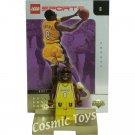 LEGO Kobe Bryant NBA minifig, stand and gold-leaf trading card (single,N)