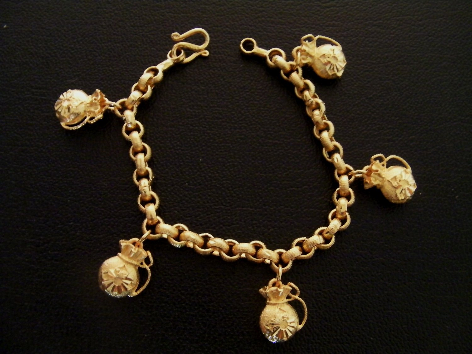 7.4 Inch nice lovely chain with money sac 100% 24K gold filled bracelet 125