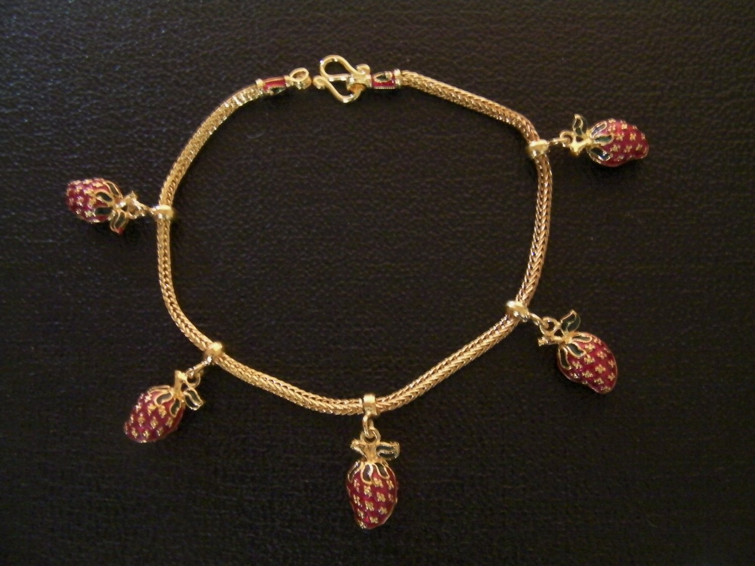 7 Inch lovely strawberrys 24K gold filled bracelet 131
