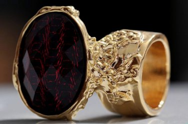 Arty Oval Ring Red Metallic Faceted Black Vintage Gold Chunky Knuckle Art Statement Size 8.5