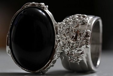 Arty Oval Ring Black Matte Silver Knuckle Art Chunky Artsy Armor Avant Garde Statement Size 8.5