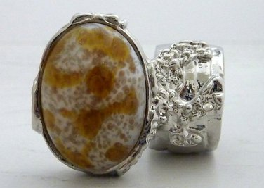 Arty Oval Ring Amber White Vintage Glass Silver Chunky Knuckle Art Statement Avant Garde Size 9