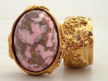 Arty Oval Ring Pink White Mottled Gold Chunky Knuckle Art Statement Jewelry Avant Garde Size 4.5