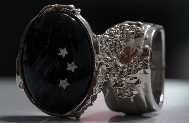 Arty Oval Ring Shooting Stars Silver Glass Sparkly Fantasy Galaxy Chunky Artsy Knuckle Art Size 10