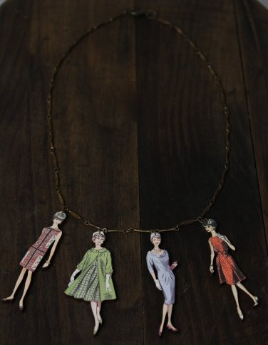 1960 Fashion Model Necklace Woman Wood Boards Oxidized Vintage Bronze Chain Statement Jewelry