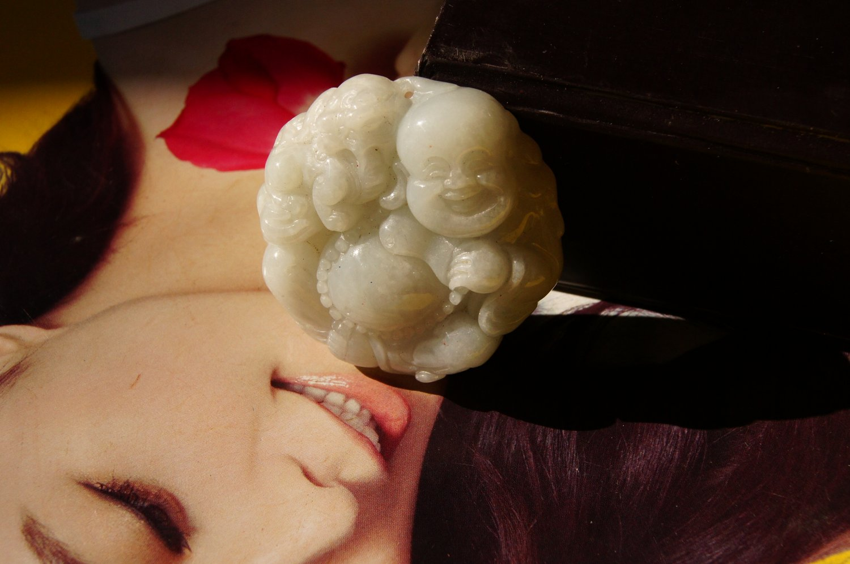 hand  Carving  Natural Pea Green Pixiu Buddha Jadeite Jade Pendant