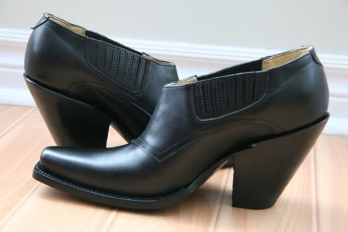 CUSTOM SQUARE  THOE BLACK SHOE   HELLS 4 INCHES