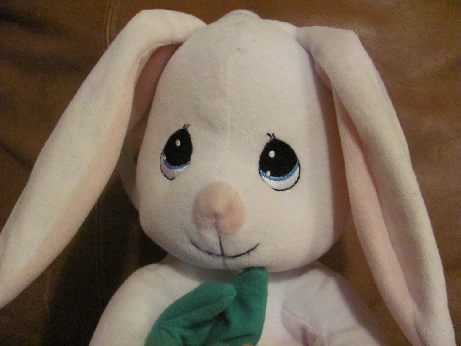 1999 Precious Moments White Bunny Rabbit Carrot Pull Musical Crib Toy Lovey Plush 11""