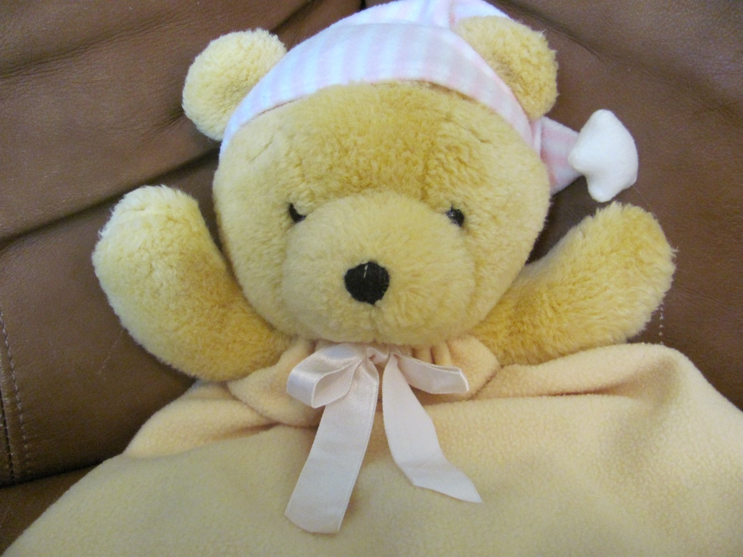 """Dakin Bearytime Huggy Bear Pink And White Hat Pink Bow Lovey Blanket 23 x 12"""""""
