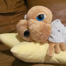 "21"" ET The Extra-Terrestrial Universal Studios Laying Star Pillow Night Cap Shirt Plush"