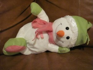 2010 Animal Adventure Snowman Carrot Nose Pink Scarf Green Hat Furry Rim 13""