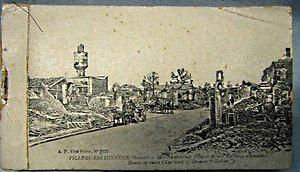 Rare set of 19 World War I black & white French postcards stapled edge booklet