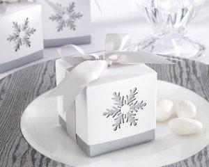 """Winter Dreams"" Laser-Cut Snowflake Favor Box (Set of 24)"
