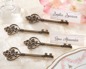 """""""Key To My Heart"""" Victorian-Style Key Place Card Holder (Set of 4)"""