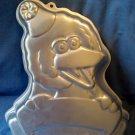 Wilton 2105-3654 BIG BIRD Sesame Street Cake Pan BANNER