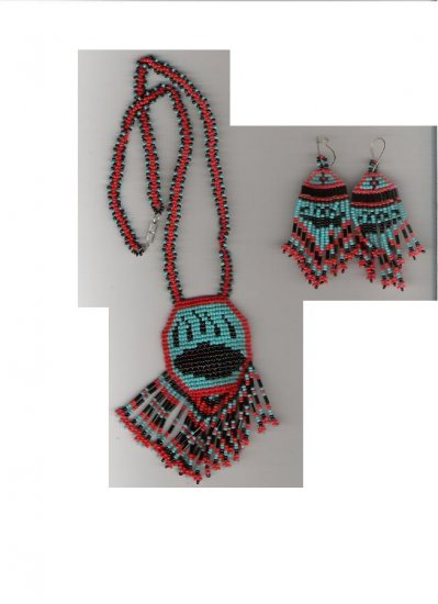 Handcrafted Beaded bear claw Necklace
