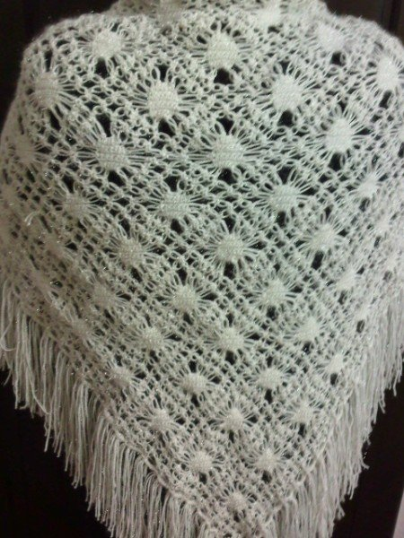 handmade beatiful shawl it is very nice and good for wedding