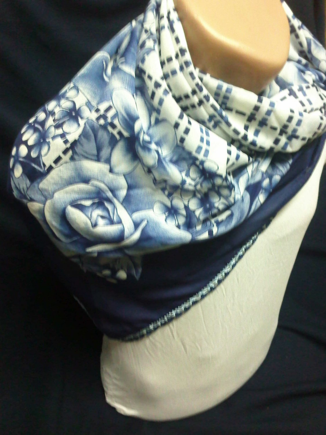 beatiful blue handmade shawl scarf it is good for summer you must see...