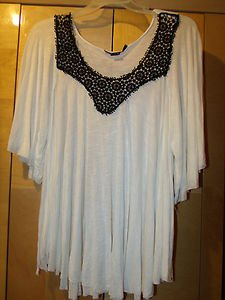 LADIES PLUSSIZE TOP WHITE
