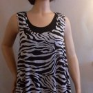 LADIES CAREN SPORT BLACK AND WHITE SLEEVELESS TOP SIZE 3X