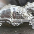 COSTUME JEWELRY PEWTER CAT ON SHELF PIN