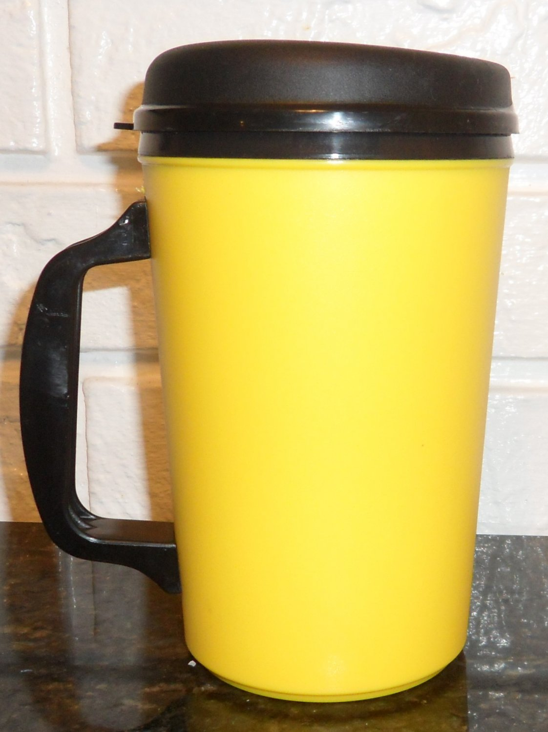 Yellow 34 oz (Formerly Aladdin) Insulated Mug