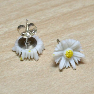 Plain Daisy Earrings