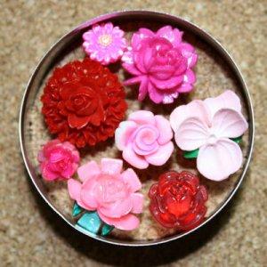 Pink Loves Red Push Pin Set