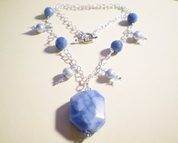 Blue quartz and pearl necklace