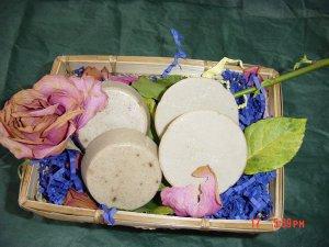 APPLE CINNAMON AND VANILLA Handmade Soap - 3 OZ. TART