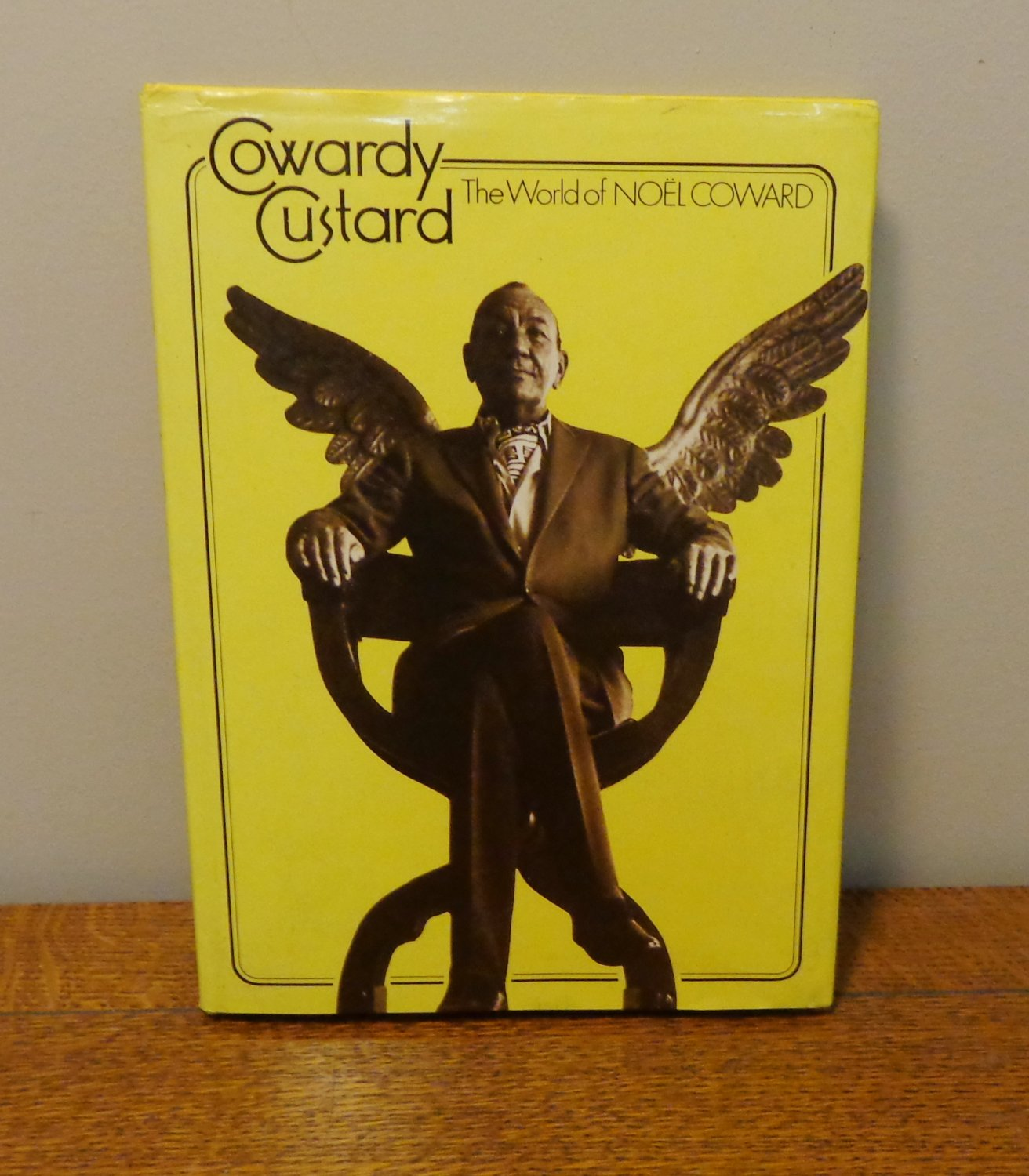 Cowardly Custard The world of Noel Coward authorized biography Hadfield AL1214