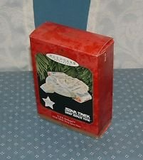 STAR TREK DEEP SPACE NINE U.S.S. DEFIANT 1997 HALLMARK