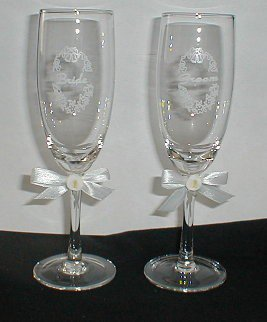 Bride and Groom Calla Lily Champagne/Wine Flute Glasses - Wedding -