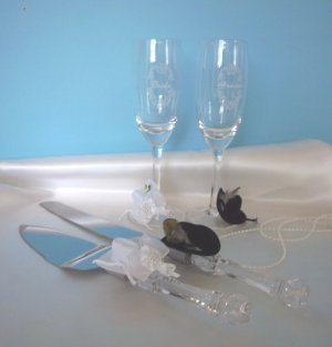 Western Cowboy Peacock Feather Hat Wedding Cake Server/Toasting Flute Glass Set