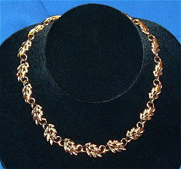 Vintage Napier Necklace Trailing Vines and Leaves circa 1980s