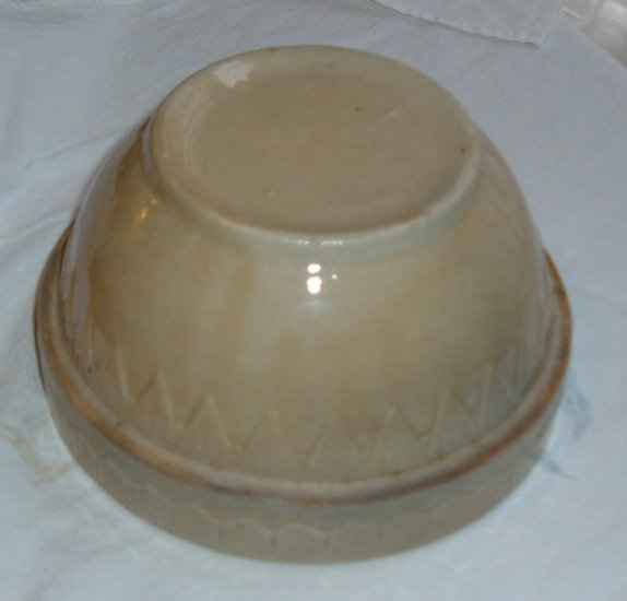 Vintage Pottery Kitchen Bowl - Uhl or McCoy?  Excellent Condition