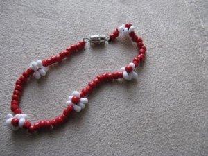Red Daisy Chain Bracelet