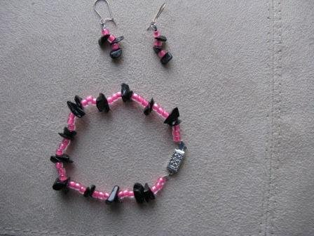 Girl's Black & Pink Earring/Bracelet Set