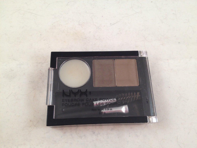 NYX Eyebrow Cake Powder ECP05 Brunette eye brow powder wax with brushes