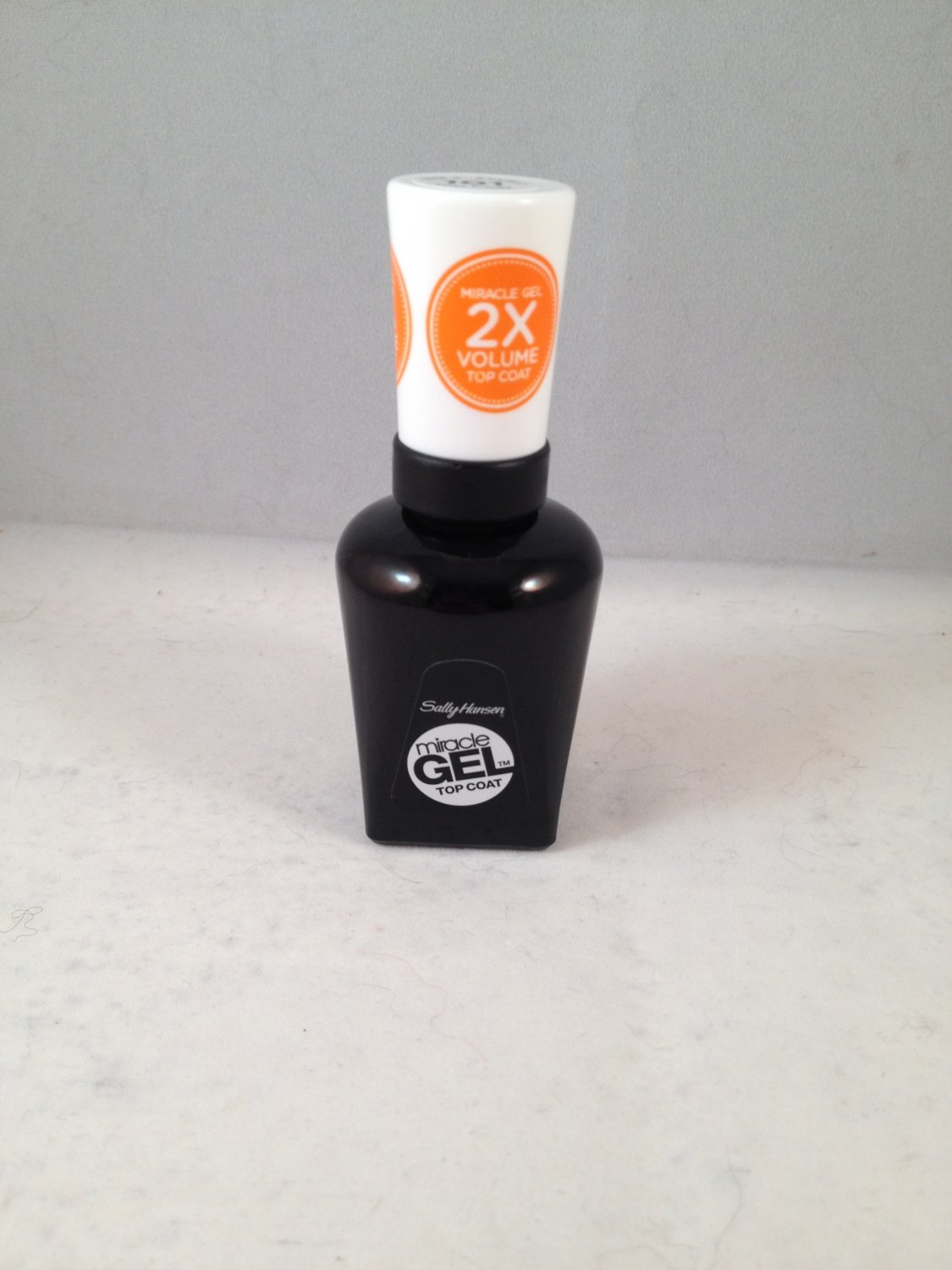 Sally Hansen Miracle Gel Top Coat Clear Polish #101 Nail Color no UV light needed!