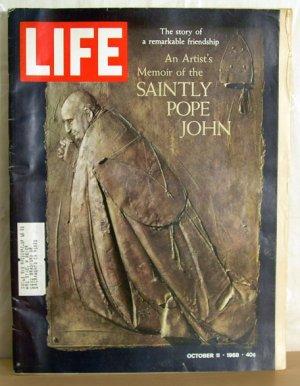 LIFE Magazine October 11, 1968 Saintly Pope John Coca-Cola AD FREE SHIPPING