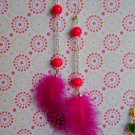 Fuxia feathers earrings