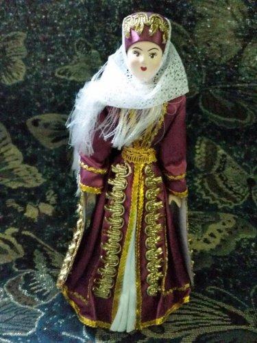 Georgian costume doll 10'
