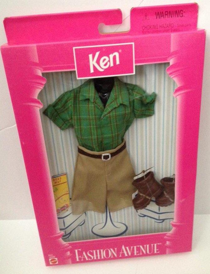 1998 Ken Fashion Avenue - Green shirt with shorts